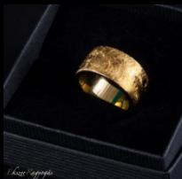 arany-szinű karikagyűrű